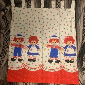Raggedy Ann and Andy 70s kitschy cafe curtains